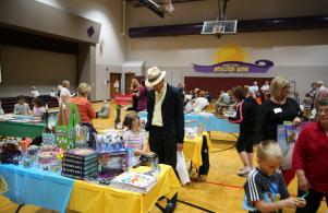 Horizon students and guests for Grandparents/Special Friend day visit the book fair